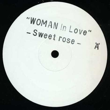 Sweet_rose_woman_in_love